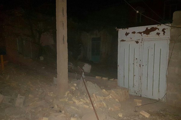 ساعت ۲:۱۷ بامداد امروز، زلزلهای به بزرگی ۵.۹ ریشتر استان آذربایجان شرقی (حوالی ترک) را لرزاند که در شهرهای ترک، سراب، ترکمانچای و حتی اردبیل و گیلان احساس شد. در اثر این زلزله تا کنون ۶ نفر فوت و بیش از ۳۴۰ نفر مصدوم شدند. گفته میشود ۴۰۰ واحد مسکونی تخریب و ۷ روستا از جمله روستاهای ورزقان و ورنکش به شدت آسیب دیدهاند.