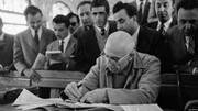 این دادستان، دکتر مصدق را با ناسزا و دشنام گفتن، محاکمه کرد+عکس