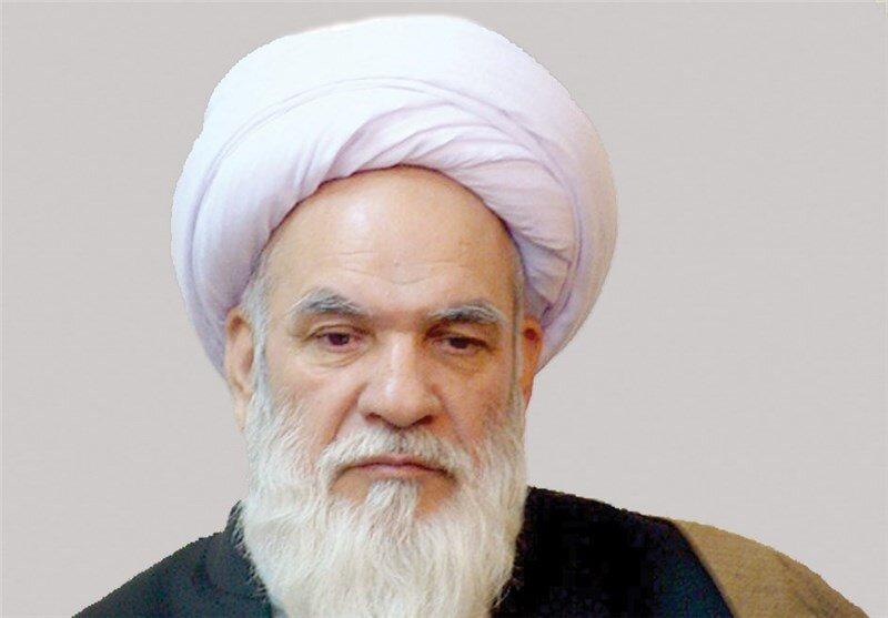 انتقاد حسین ابرهیمی از احساس تکلیف سیاسیون برای ثبت نام در انتخابات/ نه وقت خود را بگیرید نه وقت مردم