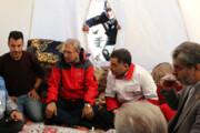 فیلم | بازدید علی ربیعی، سخنگوی دولت از چادرهای زلزلهزدگان