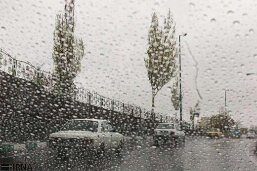 کدام استانها آخر هفته بارانی میشوند؟/ باران جمعه به تهران میرسد