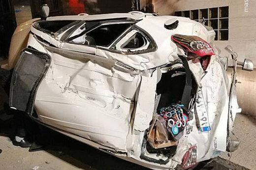 برخورد شدید دو خودرو با یکدیگر