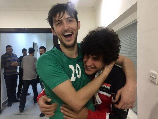 ببینید | تصاویر جذاب از شوخی سردار آزمون با ستاره سرشناس فوتبال عراق