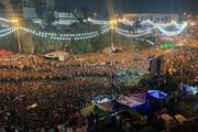عکس | تماشای بازی ایران و عراق از مانیتور بزرگ نصب شده در میدان التحریر