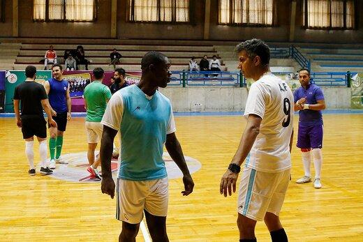 ببینید | تصاویر منتشر نشده از دلایل کلکل فوتبالی عادل فردوسیپور و کلارنس سیدورف