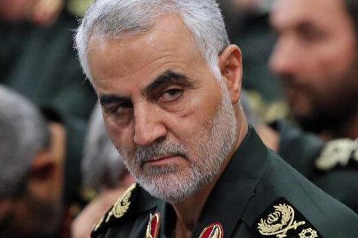عکسی متفاوت از سردار سلیمانی در محل دفن صدام