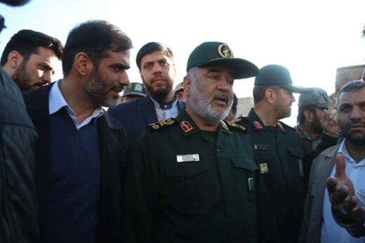 فیلم | اشکهای فرمانده سپاه در دیدار با خانواده جانباختگان زلزله آذربایجان