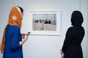 حضور زنان بازیگر در افتتاحیه یک نمایشگاه / عکس