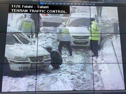 مدیرکل امور خدمات شهری شهرداری تهران:برای شرایط برفی تمرین نداریم/ سطح خیابانها را از برف پاک میکنیم، دوباره برفی میشود