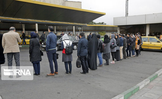 تردد مردم با حمل و نقل عمومی در تهران
