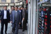 عکس | بازدید سرزده رئیسکل بانک مرکزی از صرافیهای میدان فردوسی