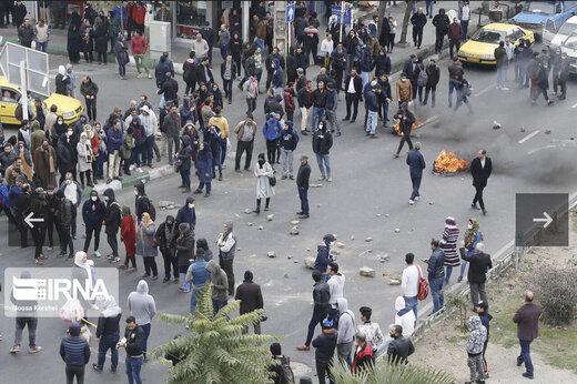 پشتپرده داستانسرایی هالیوودی درباره یک امام جمعه در جریان اعتراضات بنزینی/آیا به سمت معترضان تیراندازی شده بود؟