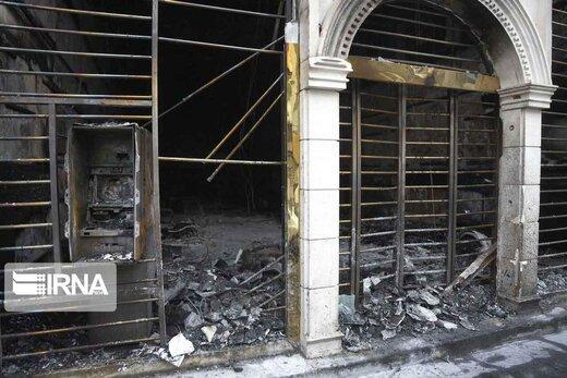 فیلم | تخریب و آتش زدن اموال عمومی در تهران توسط صورت پوشیدهها