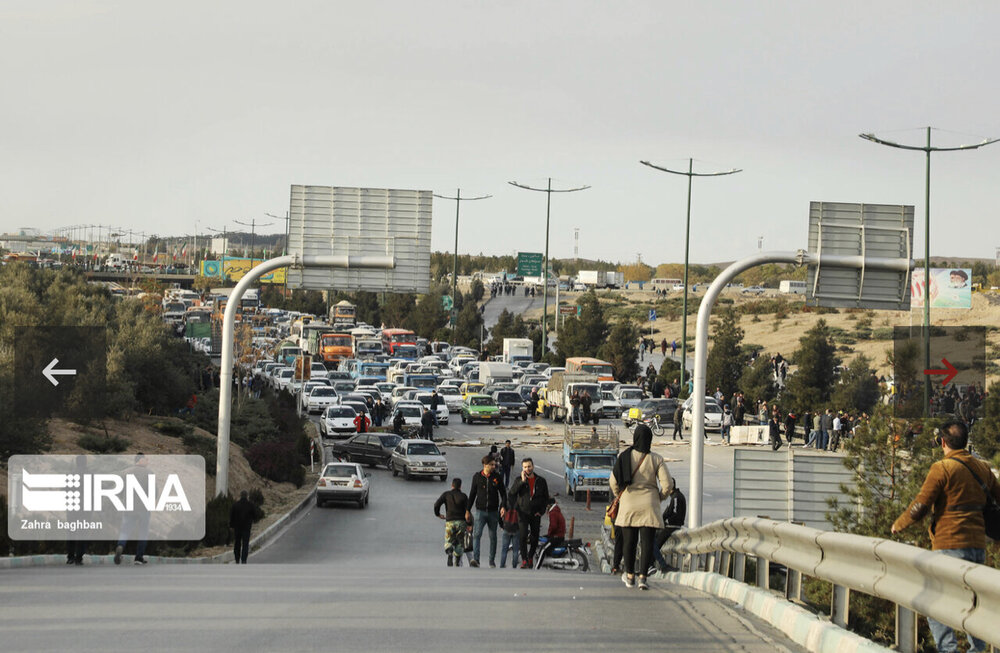 اعتراضات مردمی به گرانی قیمت بنزین