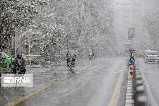 ادامه بارش برف در ۱۴ استان و لزوم تجهیز خودروها به زنجیر چرخ