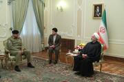 روحانی به فرمانده ارتش پاکستان: میتوانیم بر تروریستها پیروز شویم