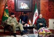 جزئیات دیدار فرمانده ارتش پاکستان با فرمانده کل سپاه پاسداران +عکس