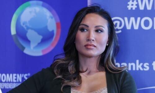 این خانم متقلب از وزارت خارجه آمریکا استعفا داد