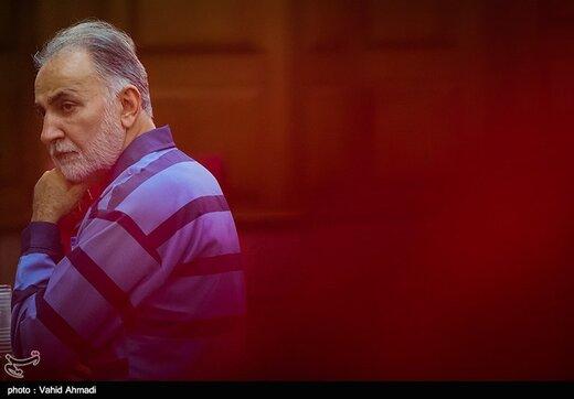 بشنوید   وکیل محمد علی نجفی: خبر ۷ سال حبس نجفی واقعیت ندارد، اگر تخفیفاتش را لحاظ کنند باید یکسال حبس بگیرد