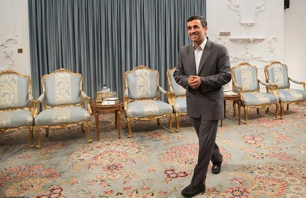 5301899 - احمدینژاد و حرفهایی که دیگر بامزه هم نیست /می خواهم زنده بمانم