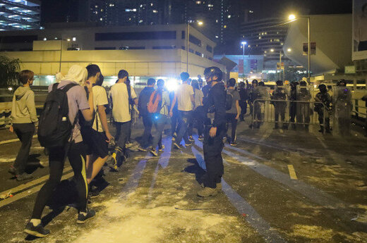 ترامپ قانون حمایت از معترضان هنگکنگی را امضا کرد/ احضار سفیر آمریکا توسط چین