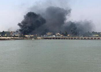 ناصریه عراق ملتهب شد/اغتشاشگران یک مقر را به آتش کشیدند