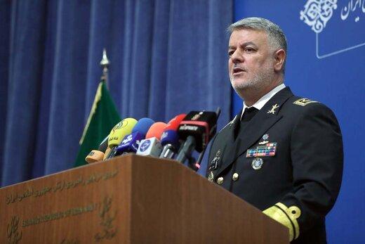 فرمانده نیروی دریایی ارتش: به کلکسیونی از تجهیزات و موشکهای هوشمند مجهزیم