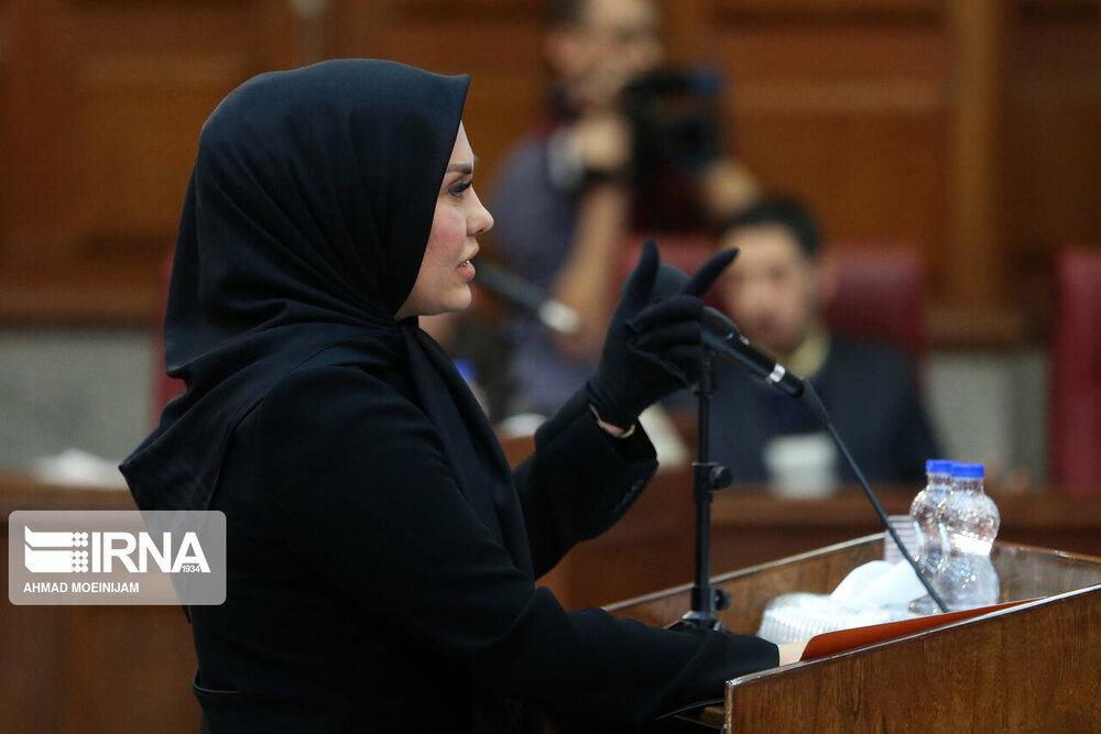 این زن وکیل محمد علی نجفی است