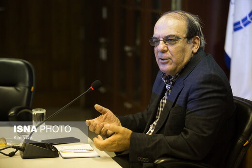 پیشنهاد عباس عبدی برای کاهش تنش های سیاسی: انتخابات ریاست جمهوری را همراه انتخابات مجلس برگزار کنید