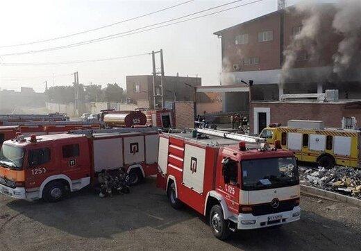 جزییاتی از حادثه سوله ۵ هزار متری شهر قدس که در آتش خاکستر شد/ تصاویر