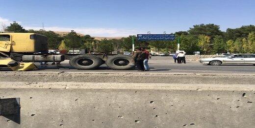 هشدار پلیس درباره قیچی کردن تریلرها هنگام بارندگی در ۲ بزرگراه اصفهان