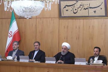 روحانی:مصمم به مذاکره هستیم اما از خطوط قرمز نظام عبور نمیکنیم