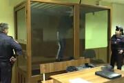 فیلم | تلاش ناموفق متهم به قتل برای فرار از دادگاه جلو چشم نگهبانان