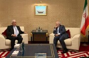 Zarif, Iraqi national security advisor meet in Doha