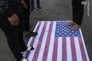 تصاویر | پرچم آمریکا زیرپای معترضین عراقی