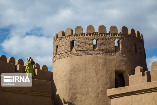 Swiss tourist says impressed with attractions of Kerman tourist sites