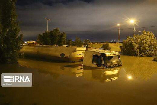 آب گرفتگی شدید در خیابانها و معابر و برخی منازل اهواز