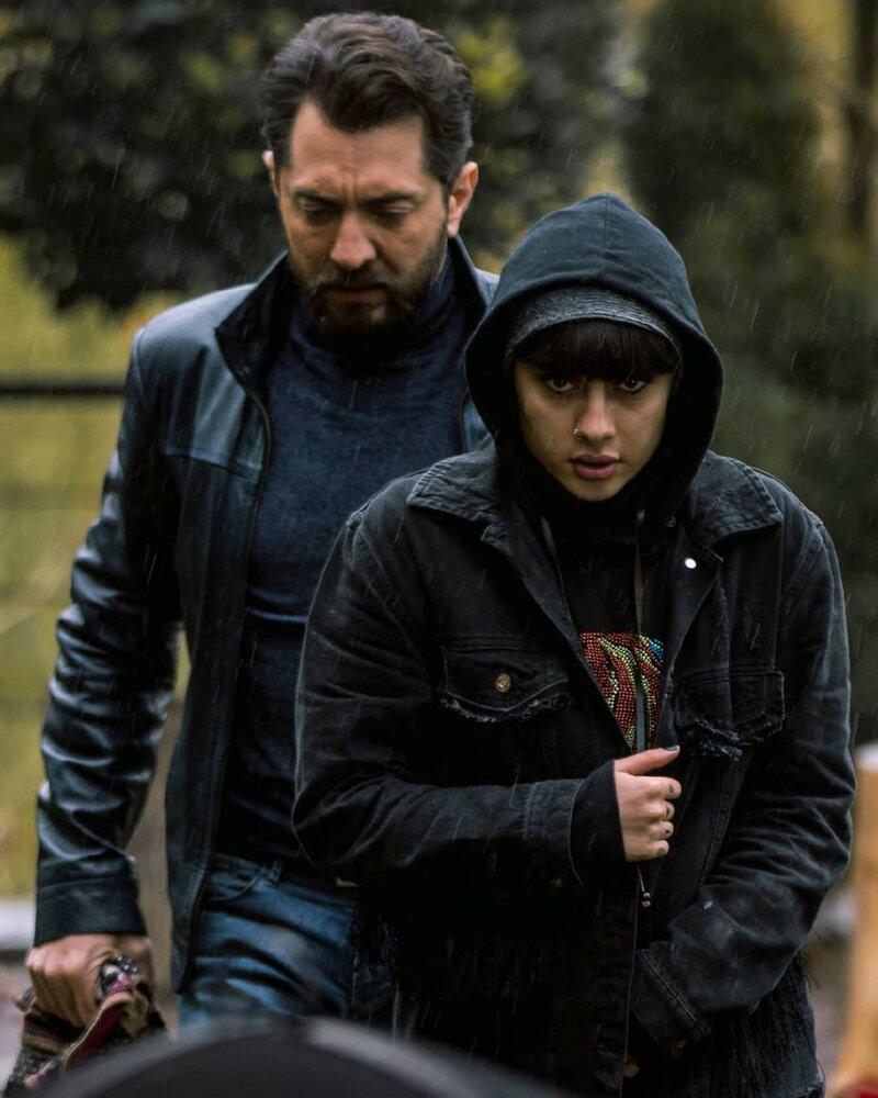 فیلم سینمایی «گربه سیاه» به کارگردانی کریم امینی پس از ۵۷ جلسه، در بامداد ۲۴ آذرماه به پایان رسید.