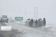 تصاویر | کولاک برف و یخبندان در جادههای کردستان