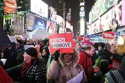 آمریکاییها برای استیضاح ترامپ به خیابان آمدند