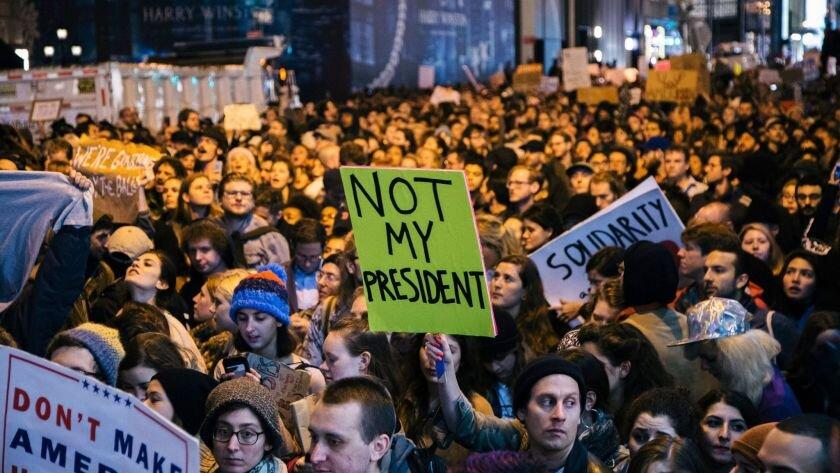 آمریکاییها برای استیضاح ترامپ به خیابانها آمدند