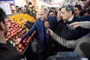 عکس | شهردار تهران درآستانه شب یلدا در بازار میوه و ترهبار