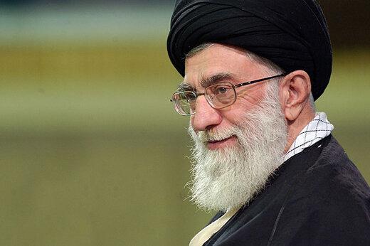 فیلم | آیتالله خامنهای: بنده به دستور امام خمینی مانع دیوار کشیدن بین دختر و پسرها در دانشگاه شدم!