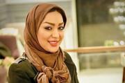 بشنوید | حرف های عجیب خانم بازیگر در رادیو: مردم ایران باید من را روی سرشان بگذارند