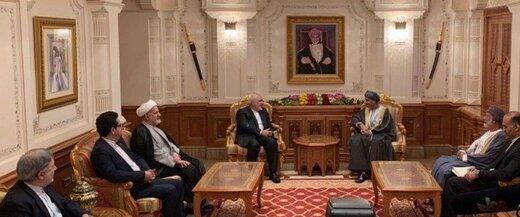 محادثات ظريف مع نائب رئيس الوزراء لشؤون مجلس الوزراء العماني