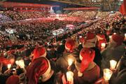 فیلم | جشن کریسمس ۳۰هزار نفری هواداران یونیون برلین در استادیوم