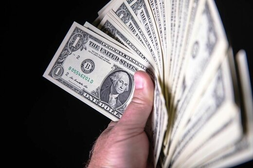 مانور دلالان ارز بر موضوع افایتیاف/ نرخ دلار بالا رفت