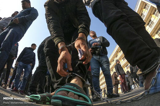 موبایل قاپهای پایتخت به دام افتادند