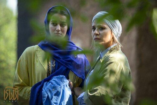 عکس | نیکی کریمی و سحر دولتشاهی در اکران مردمی فیلم «آتابای»