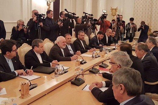 ظريف: إيران وروسيا تسعيان للسلام في المنطقة
